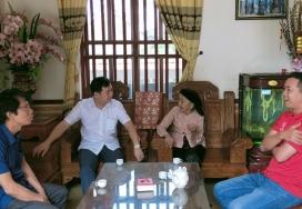 Đài Phát thanh và Truyền hình Phú Thọ tặng quà Mẹ Việt Nam anh hùng Bùi Thị Dần