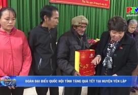 Đoàn Đại biểu Quốc hội tặng quà Tết tại huyện Yên Lập
