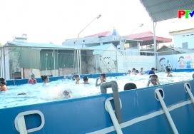 Bơi lội - Hoạt động thể thao ngày hè